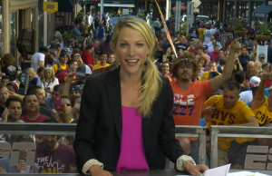 Anchor Lindsay Czarniak hosted the 6 p.m. SportsCenter yesterday from 4th Street before Game 3.
